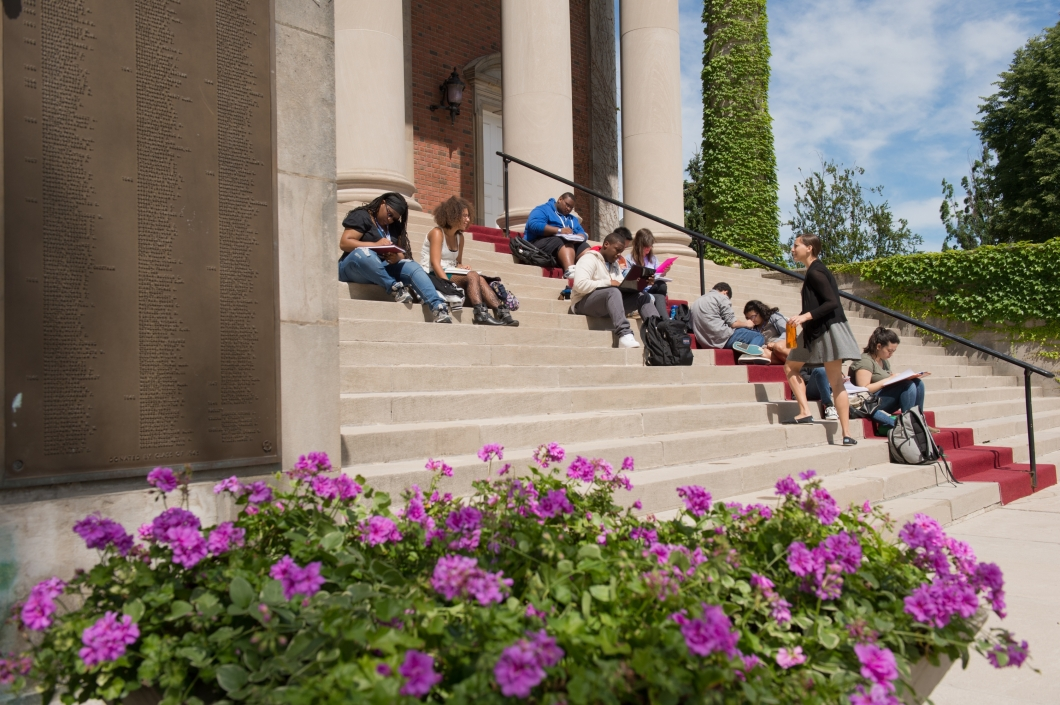 Class Outside Steps of Hendricks Chapel at SU
